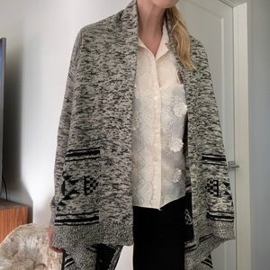 Sweaters - Boho knit winter cardigan hi low.